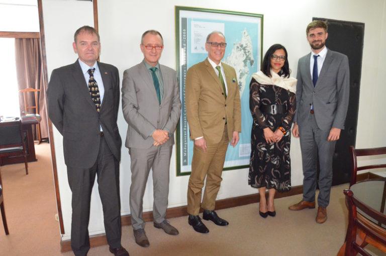 Les visites diplomatiques et courtoisies se succèdent au MEDD