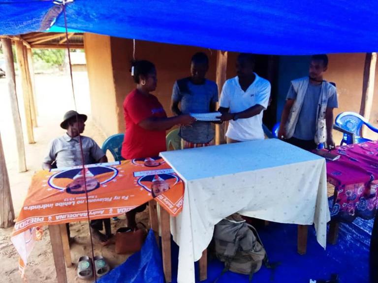 Gouvernance Environnementale: Renouvellement du contrat gestion des ressources naturelles aux VOI du district de Mahabo et Morondava