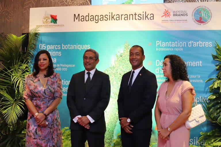 « MADAGASIKARANTSIKA ! HO RAKOFANTSIKA ALA » : un partenariat public privé pour reverdir Madagascar