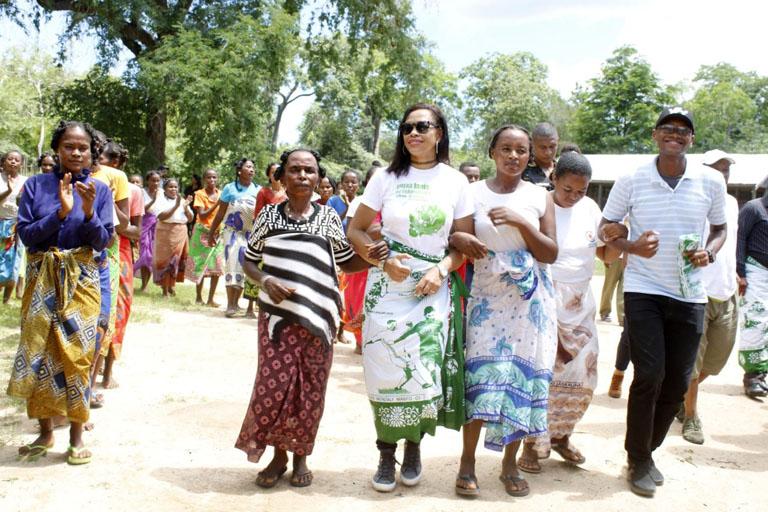 Menabe Antimena: Responsabilisation des femmes dans la protection et gestion des ressources forestières