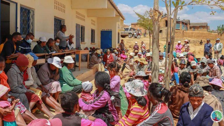 STATION FORESTIERE AMBATOFOTSY : LES POPULATIONS RIVERAINES SENSIBILISEES A SA PRESERVATION